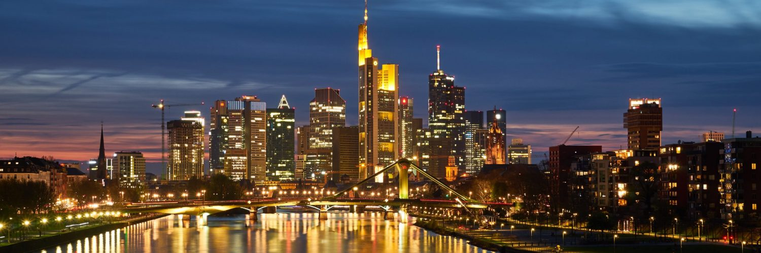 Frankfurt_Skyline_at_night